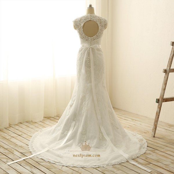 Ivory Glamorous Sleeveless V -neck Bowknot Lace Wedding Dress