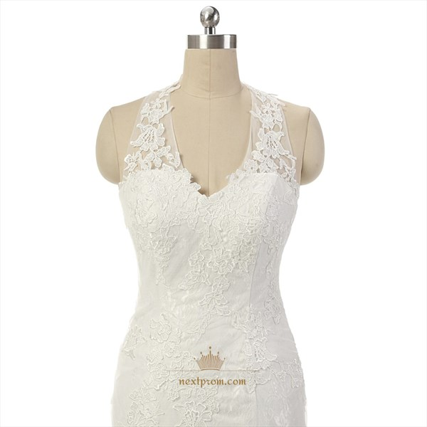 Elegant Sleeveless Lace Halter Court Wedding Dress