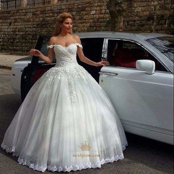 Elegant Off The Shoulder Ball Gown Wedding Dress With Lace Embellished