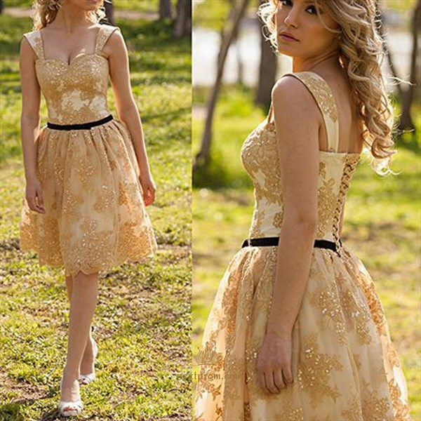 Knee Length Sweetheart Sleeveless Lace Homecoming Dress With Straps