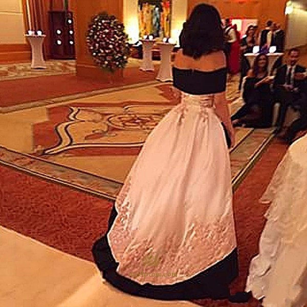 Floor Length Off-The-Shoulder Elegant A-Line Formal Gown With Applique