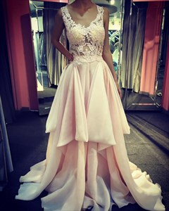 Light Pink Sleeveless Lace Bodice A-Line Embellished Chiffon Prom Gown