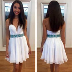 Lovely Strapless A-Line White Short Chiffon Dress With Beaded Waist