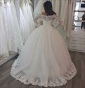 Elegant Off The Shoulder Lace Tulle Wedding Dresses With Long Sleeves