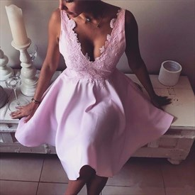 Pink Sleeveless V-Neck A-Line Lace Embellished Short Homecoming Dress