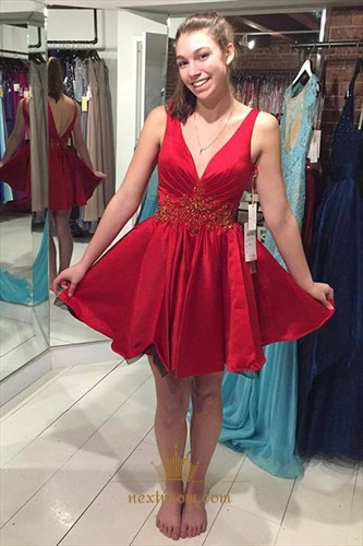 Red Sleeveless V-Neck A-Line Homecoming Dress With Embellished Waist