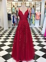 Red V-Neck Spaghetti Straps Lace Applique Long Tulle Evening Dresses