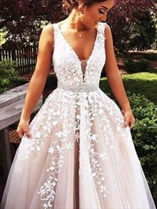 Champagne A-Line V-Neck Sleeveless Lace-Applique Tulle Prom Dress